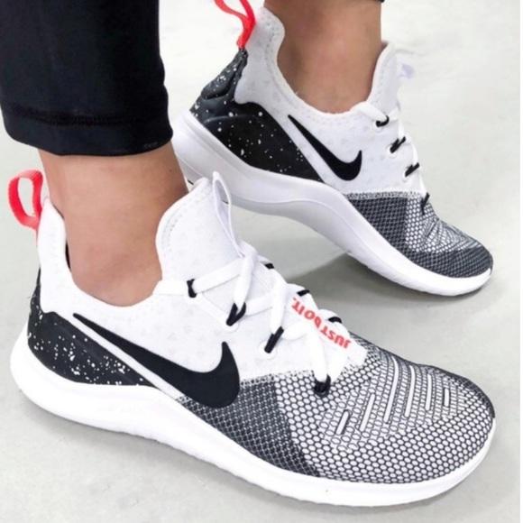 hot sale online 52eb3 03afd Nike Women s Free TR8 Training Shoe size 9